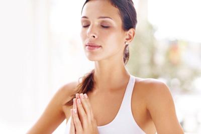 Yoga chtoby ispravit' osanku